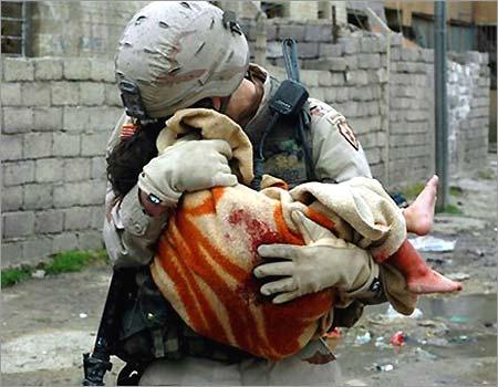 gi-and-dying-iraqi-girl-0_22_450_baby
