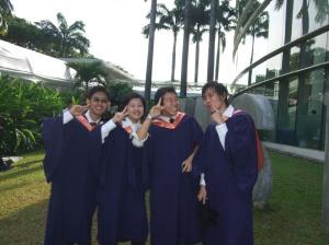 GraduatesactingCute