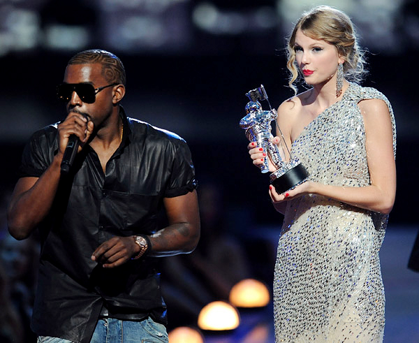 Kanye West Insult To Music Industry Taylor Swift Moment -8660