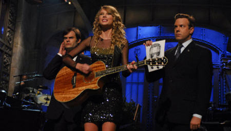 Taylor Swift  on Taylor Swift Snl Jpg W 538